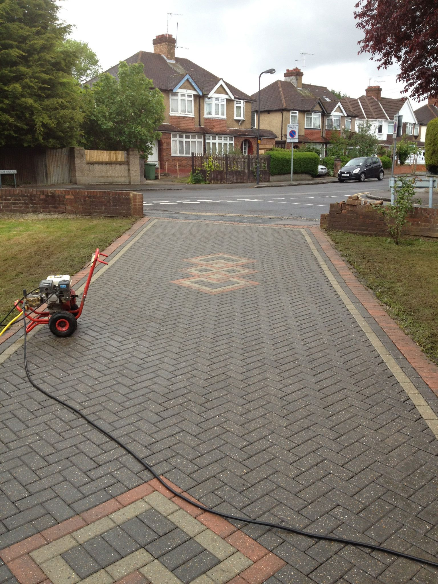 Driveway Cleaning In Harrow